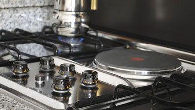 Comment changer les plaques chauffantes d'une cuisinière ?
