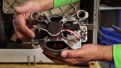 Comment remplacer le moteur d'un lave linge ?