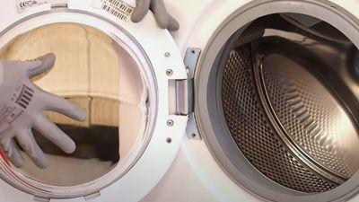 Comment changer la charnière de votre lave-linge ?